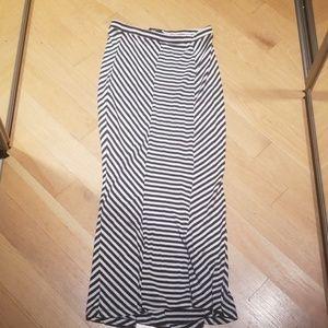 5 for $25 bundle me ! Maxi skirt small mossimo